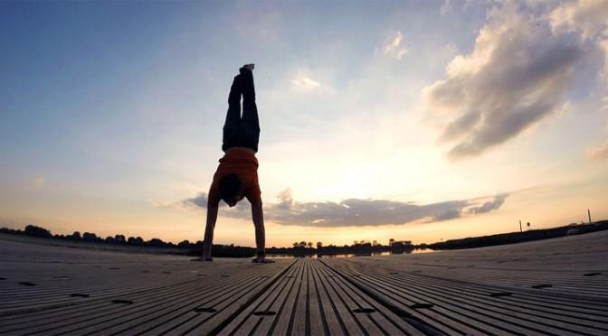 Energisch und fit durch mit Tag mit gesundem Lebensstil und Unicity Matcha