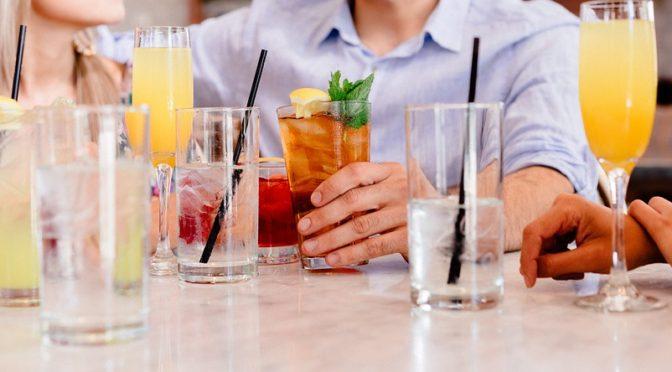Kalorienarme Getränke: Durstlöscher für Figurbewusste